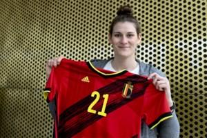 """Kyara Linskens werkt na knieoperatie hard aan comeback: """"Sprankelende zomer voor de deur"""""""