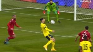 Ibrahimovic meteen goed voor een assist bij zijn comeback voor Zweden