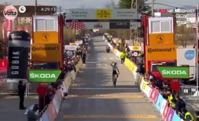 Lennard Kämna rondt solo af in Ronde van Catalonië en schrijft zo vijfde etappe achter zijn naam