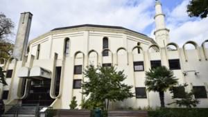 Buitenlandse inmenging Grote Moskee houdt aan