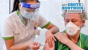 Woon-zorgcentra verdeeld over verplichte vaccinatie: maar helft ziet maatregel zitten, voor personeel én bewoners