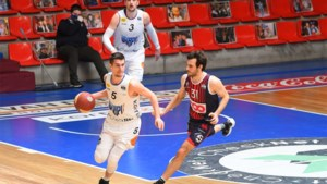 """Bogic Vujosevic stelt in slotfase zege veilig: """"We hadden de match veel eerder op slot moeten doen"""""""