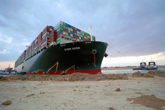 """Ex-loods over catastrofe op Suezkanaal: """"Wie gaat zulke schepen nog verzekeren?"""""""