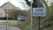 Waarschuwingsbord in het 'plat Zonhovens' (op de plek waar voortdurend fietsers vallen)