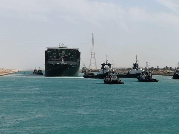 """Problemen nog niet opgelost nu Ever Given weer vaart: """"Zonder tweede vaarweg zullen rederijen het Suezkanaal schuwen"""""""