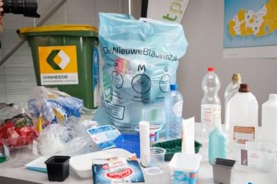 Vanaf 1 april schakelt heel Vlaanderen over op nieuwe 'blauwe zak', maar wat mag daar nu eigenlijk allemaal in?