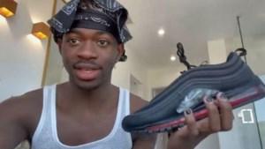 """Lil Nas X verkoopt sneakercollectie met druppel bloed in op minder dan één minuut uit: """"Voor onder een glazen stolp"""""""