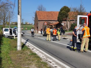 Vollezelestraat afgesloten na zwaar verkeersongeval