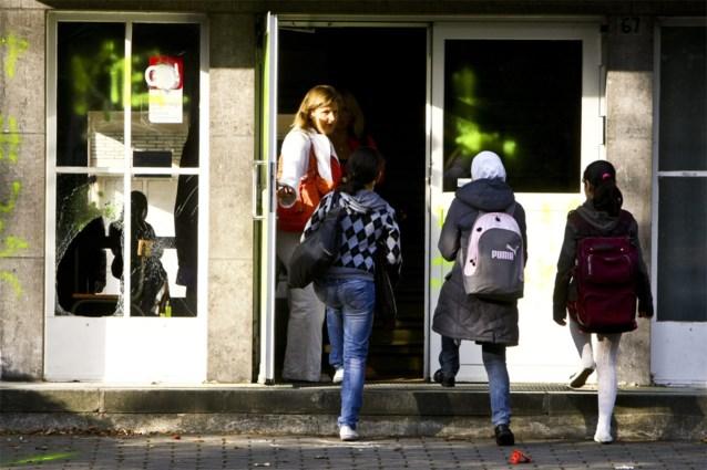 Franse Senaat keurt beperkingen op hoofddoek goed
