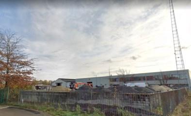 Stad laat 400 ton verontreinigde grond verwijderen