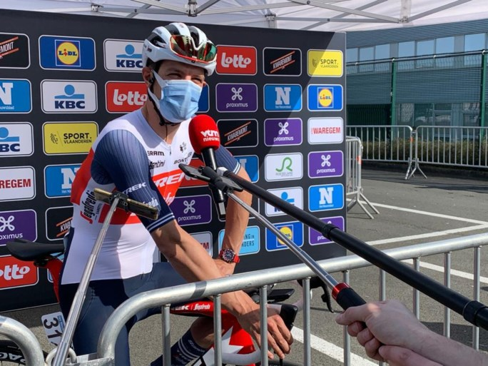 """Mathieu van der Poel (weer in witte broek) klaar om te knallen in Vlaanderen: """"Het motiveert me dat Wout zo goed rijdt"""""""