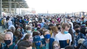 Coronatoeristen aan de kust zijn schrikbeeld voor virologen: maar kón iemand dit voorkomen?