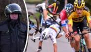 """Hoe is het nog met motorrijder tegen wie Alaphilippe knalde in Ronde van Vlaanderen? """"Zijn reactie heeft me heel veel geholpen"""""""