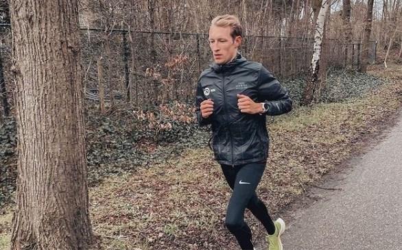 """Marathonloper Björn Koreman breekt ribben bij achtervolging van winkeldief: """"Volgende keer zal ik er beter over nadenken"""""""