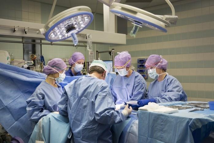 """Puzzelen om kankerpatiënten te verzorgen nu almaar meer bedden naar Covid-patiënten gaan: """"Net nu we meer en zwaardere tumors zien"""""""