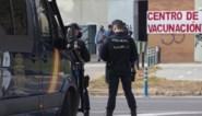 Aprilgrap loopt uit de hand: valse oproep lokt 4.000 senioren naar vaccinatiecentrum in Sevilla