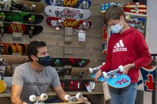 Milo (12) krijgt nieuw skateboard cadeau nadat zijn oude gestolen en vernield werd