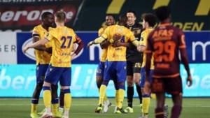 STVV zet grote stap richting behoud, KV Mechelen doet slechte zaak voor Play-Off 2