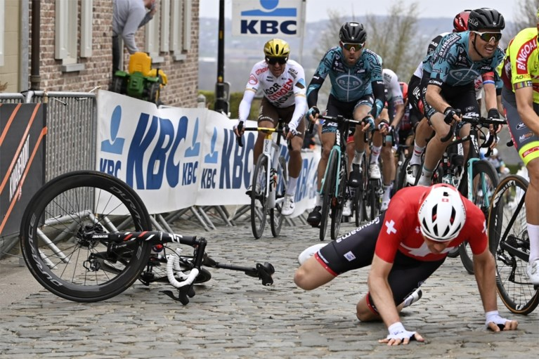 Beresterke Kasper Asgreen klopt Mathieu van der Poel in razend spannende sprint en wint Ronde van Vlaanderen