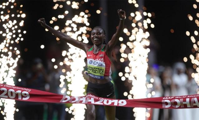 Keniaanse Ruth Chepngetich verbetert wereldrecord op de halve marathon