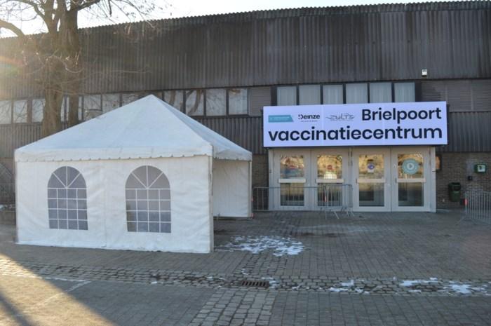 """Reservelijst vaccins ten vroegste donderdag in gebruik: """"Opmerkelijk dat we uitgekozen zijn want we hebben bijna nooit overschot"""""""