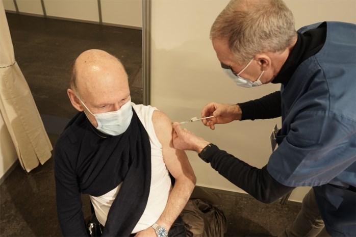 Ook voor Gentenaars lange wachtrij voor vaccinatie-reservelijst. Heeft aanschuiven zin?