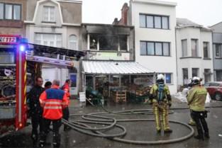 Grote schade na brand boven buurtwinkel in Deurne