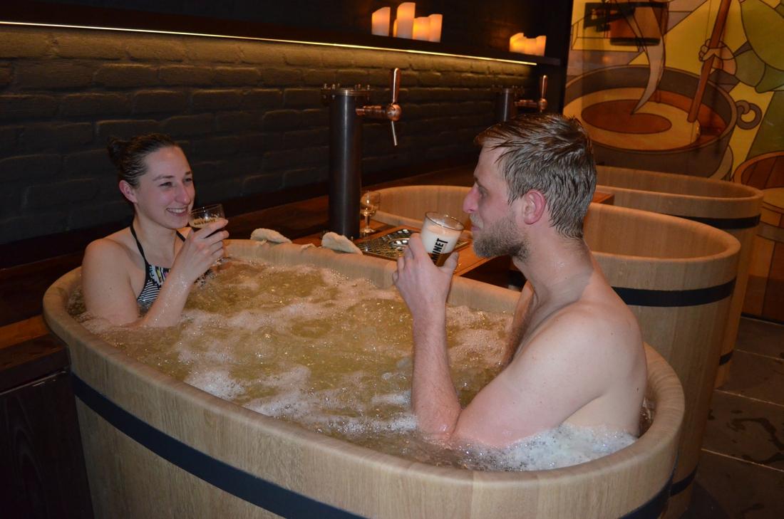 Met de tapkraan naast de badkraan: eerste bierspa koppelt culinaire ervaring aan wellness