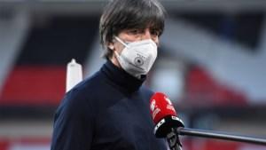 """Duitse bond wil niet weten van ontslag van bondscoach Löw: """"Is uitermate gemotiveerd voor zijn laatste toernooi"""""""