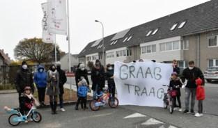 Nadat auto van snelheidsduivels garage is binnen gereden: buurtbewoners vragen signaal van stadsbestuur