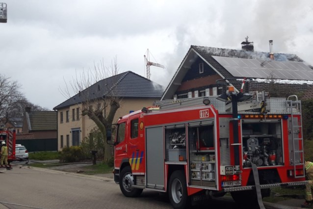Woning onbewoonbaar na dakbrand