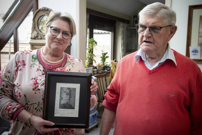 """Leon (92) was 14 jaar toen hij poseerde voor een portretschilder, bijna tachtig jaar later is hij nog steeds op zoek naar het resultaat: """"Mijn ouders konden het toen niet betalen"""""""