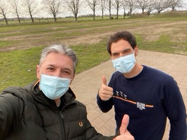 """Wielerbondscoach Sven Vanthourenhout: """"De pijn die ik voelde tijdens de marathon van Rotterdam is met geen pen te beschrijven"""""""