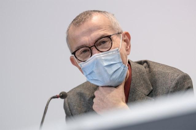"""Frank Vandenbroucke kritisch voor EMA: """"We hebben meer informatie nodig over leeftijdsgroepen"""""""