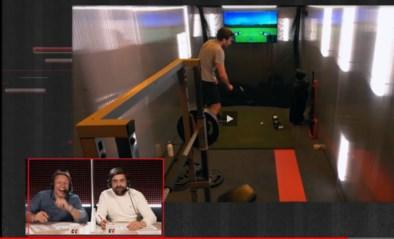 Viktor Verhulst slaat de bal stevig mis in De Container Cup, tot groot jolijt van Wesley en Pedro