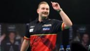 Dimitri van den Bergh haalt uit tegen Glen Durrant en pakt tweede zege in Premier League darts