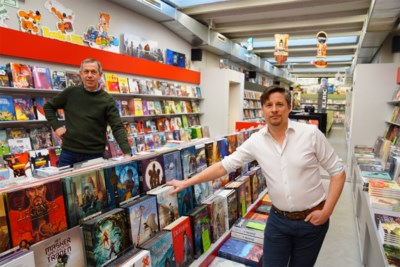 """Na 30 jaar krijgt bekende stripwinkel nieuwe uitbater: """"Eindelijk meer tijd om strips te lezen!"""""""