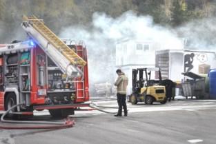 Vrachtwagenbrand bij Dalgatrans op Hermeslaan in Genk
