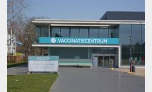 """Leeftijdsgrens AstraZeneca-vaccin heeft beperkte invloed op vaccinatiecentra: """"Wij blijven draaien en vallen zeker niet stil"""""""