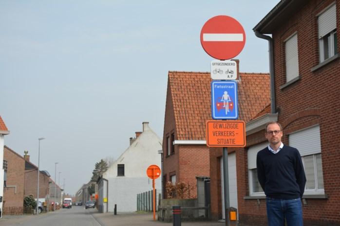 Eenrichtingsverkeer en fietsstraat in Molenstraat