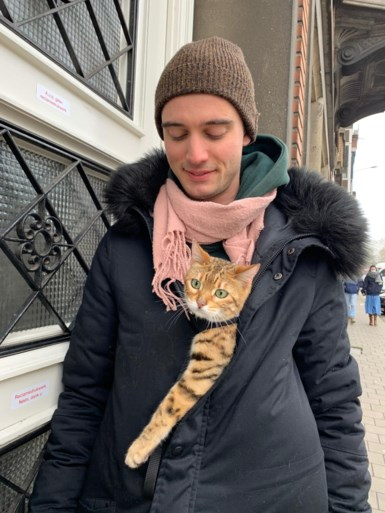 """Gaetan (25) betaalt 3.000 euro aan wie zijn kat terugbrengt: """"Denk dat ze gestolen is"""""""