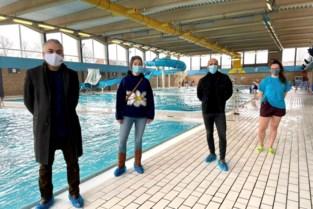 Kwetsbare kinderen leren zwemmen tijdens turbocursussen