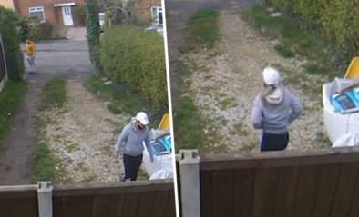 Vrouw geschokt nadat pakjesbezorger 'boodschap' achterlaat in haar tuin