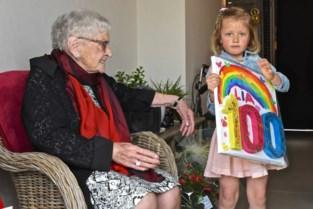 Lia Vandenberghe krijgt op haar honderdste verjaardag onverwacht bezoek van 5-jarige naamgenoot