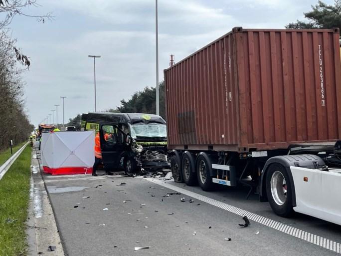 Na dodelijk ongeval tweede zware crash op E313 in Geel