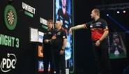 Dancing Dimi blijft ongeslagen in Premier League: Van den Bergh speelt gelijk tegen excentrieke Peter Wright