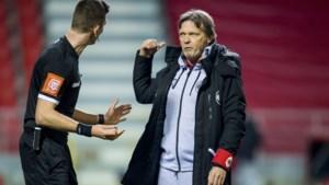 """Frank Vercauteren trekt zich niets aan van kritiek op defensieve spel Antwerp: """"Al die commentaar interesseert me niet"""""""