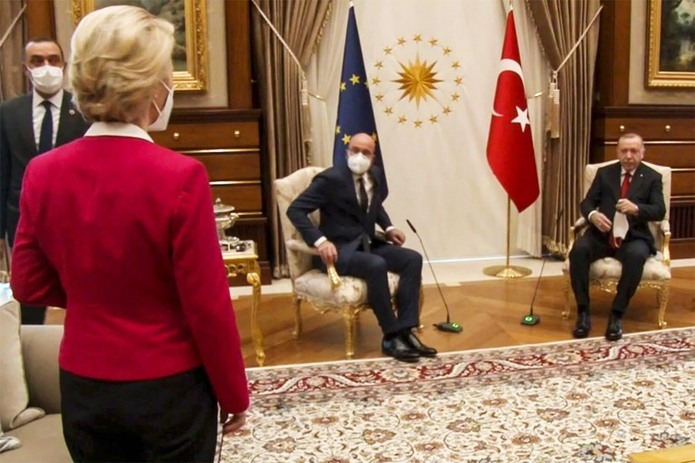 "Italiaanse premier noemt Erdogan ""dictator"" na sofagate"