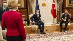 Charles Michel verdedigt zich tegen kritiek na incident met Von der Leyen in Ankara