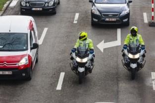 Politie vindt wapens en drugs bij Nederlanders tijdens verkeerscontrole